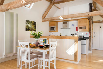 The Car Hotel holiday letting - Cotswold kitchen
