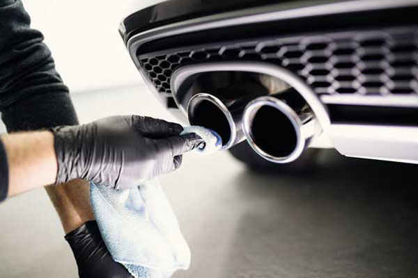 Polishing exhaust pipe tips